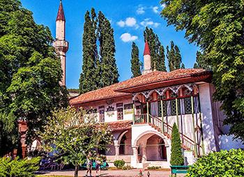 Ханский дворец в Бахчисарае – исторический памятник крымско-татарского народа