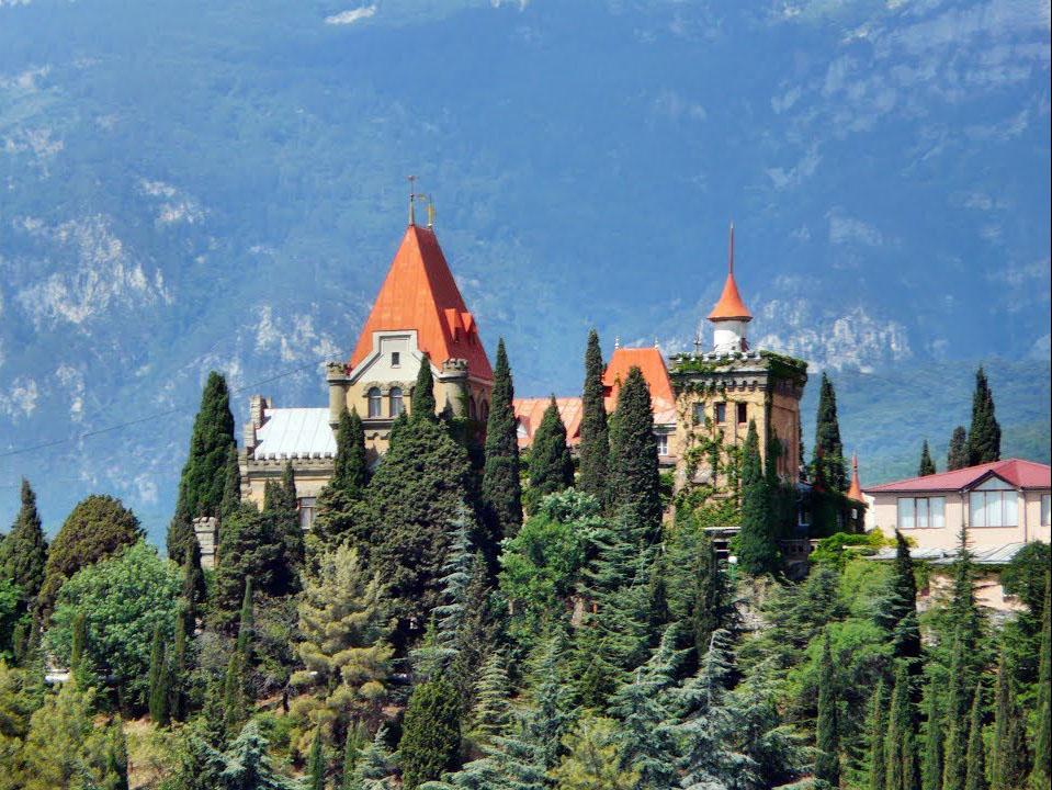 Дворец княгини Анастасии Гагариной в Алуште