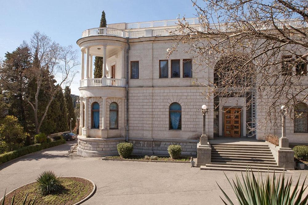 дворец Суук Су в Артеке
