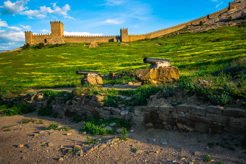 Генуэзский замок