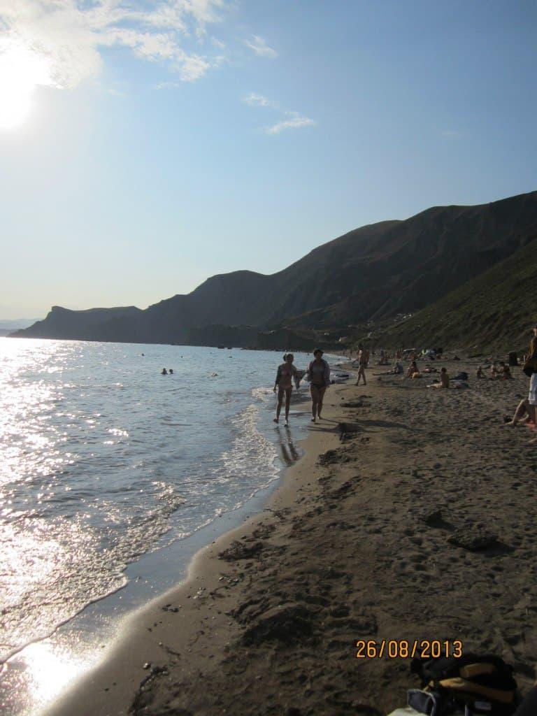 Орджоникидзе Пляж за первым мысом