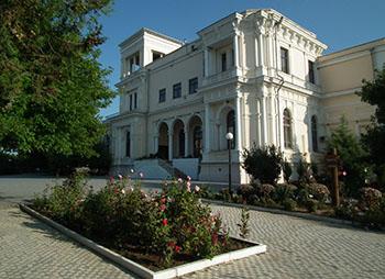 Усадьба Попова: удивительная достопримечательность в Крыму