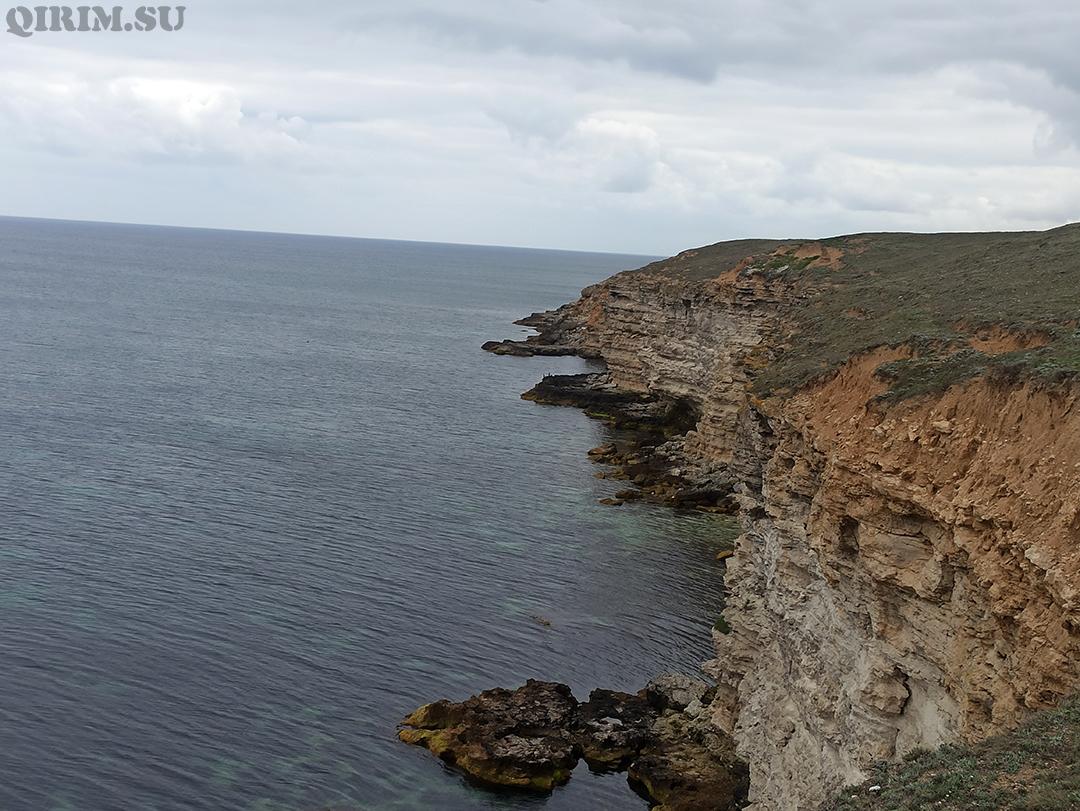 Межводное скалы за селом