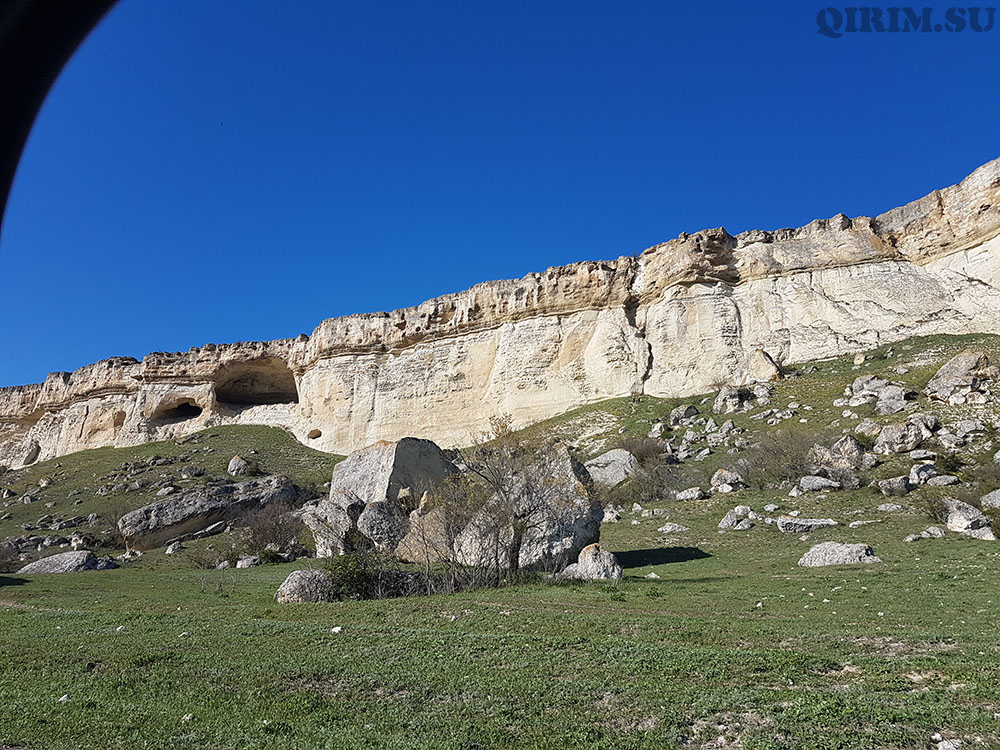 Ак-Кая пещеры