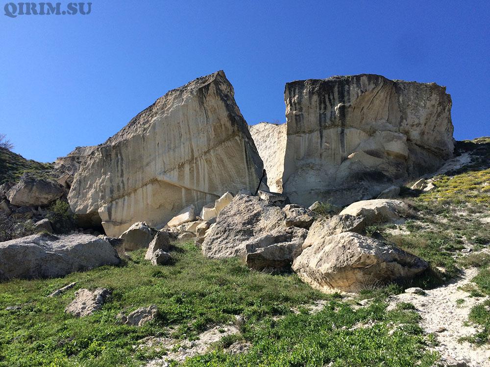 Белая Скала разлом скалы