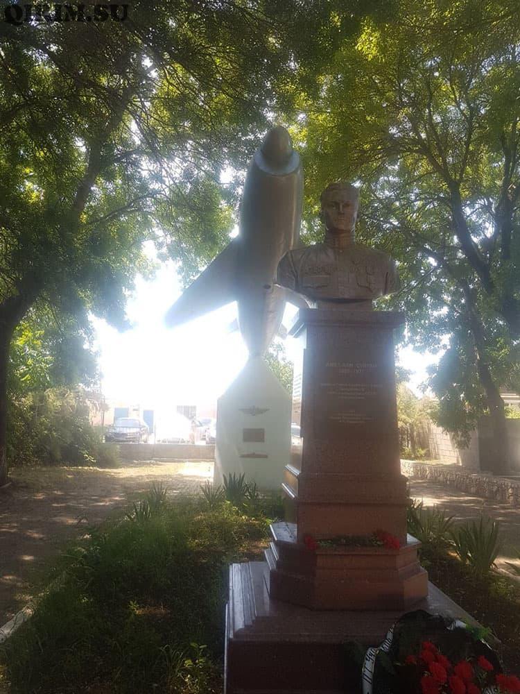 Кача памятник Амет-хан султану