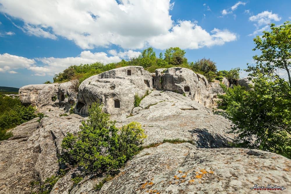 пещерный город Эски-Кермен фото