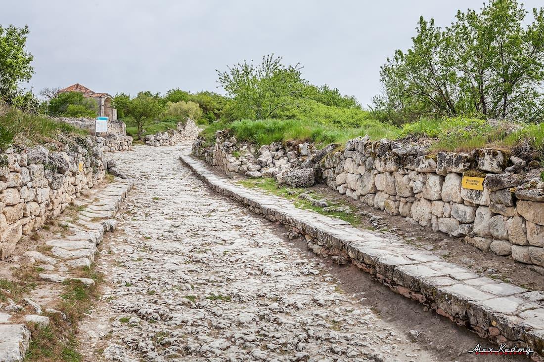 Бахчисарай пещерный город Чуфут-Кале