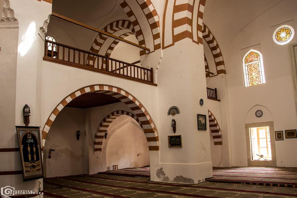 Мечеть Джума-Джами внутри