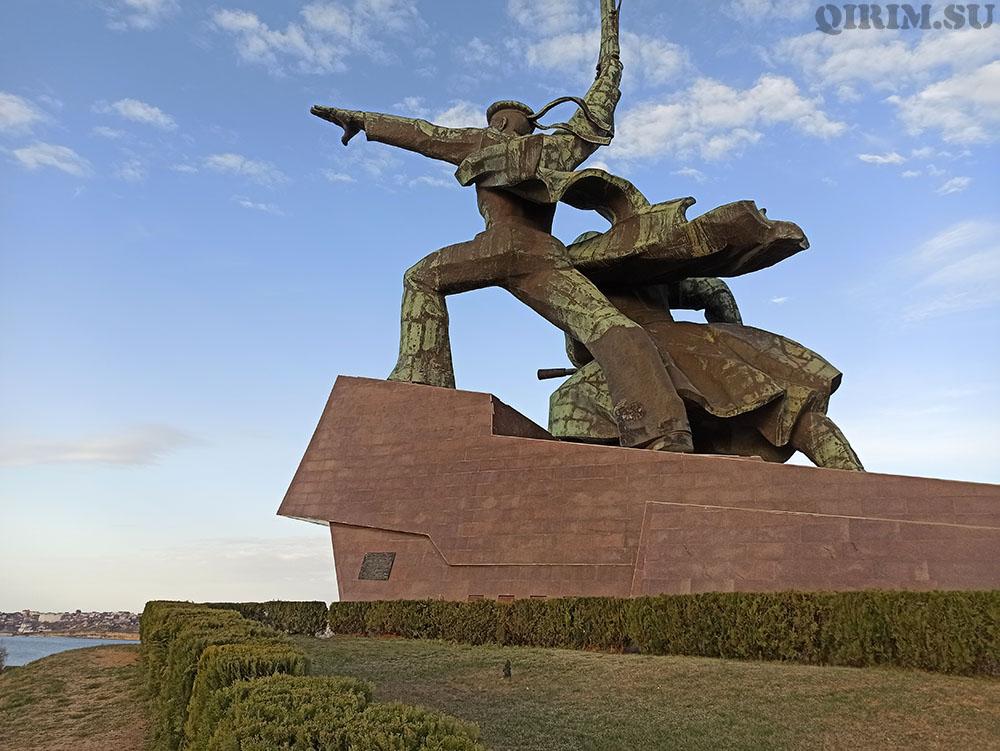 Памятник Матросу и Солдату г Севастополь