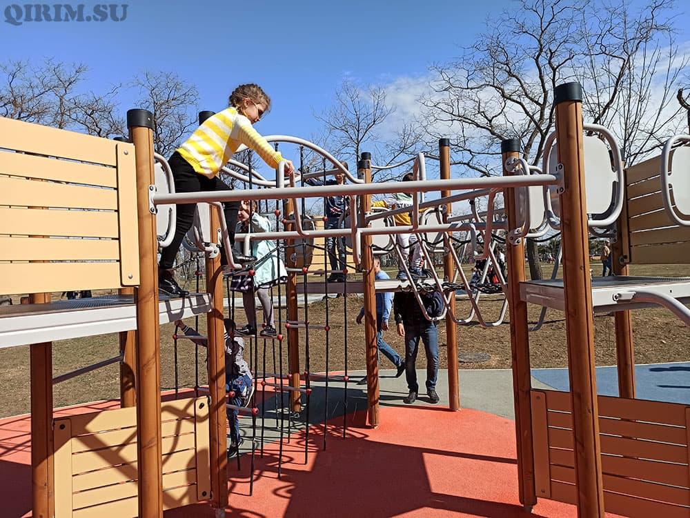 Парк Учкуевка площадка для детей с барьерами