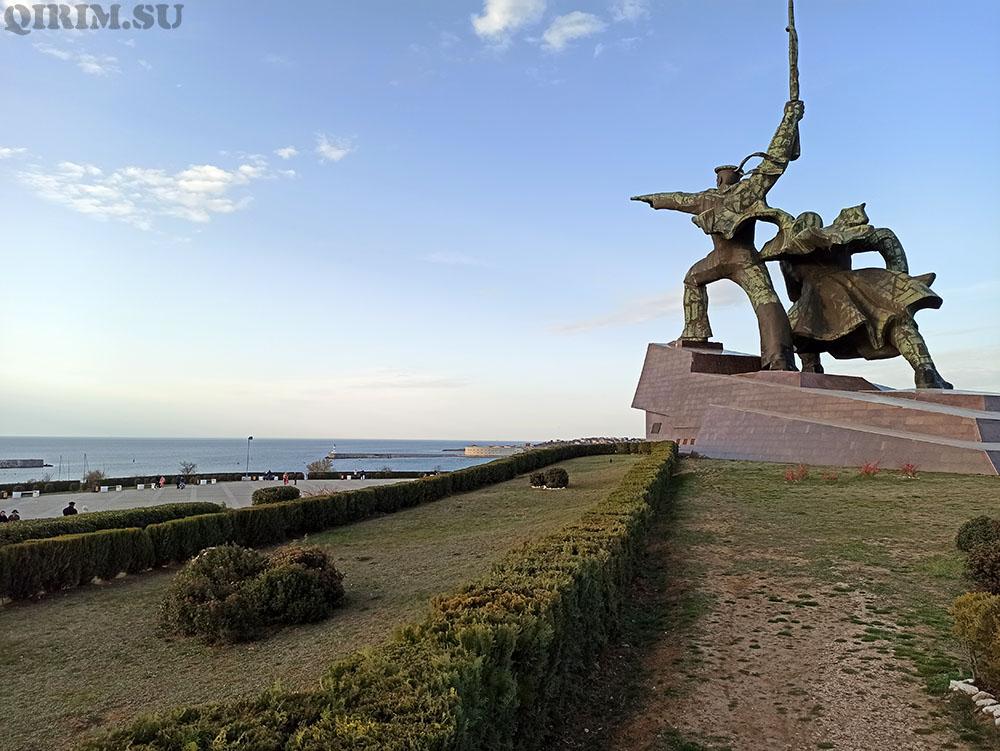 Севастополь матрос и солдат