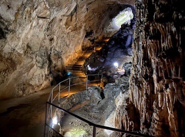 пещера Эмине-Баир-Хосар 2