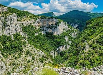 большой каньон на верху миниатюра