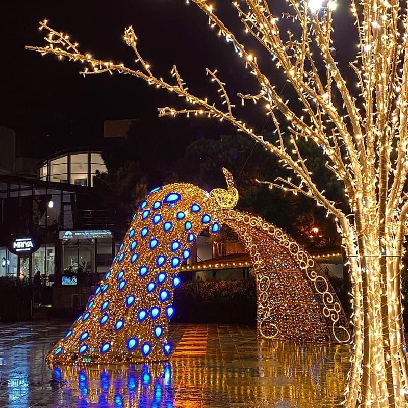 Новогодние украшения в Ялте 9