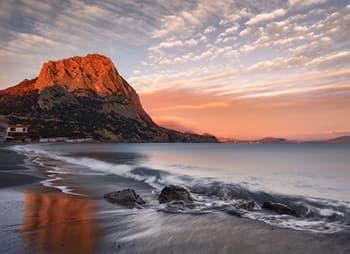 Гора Сокол -древний коралловый риф Крыма