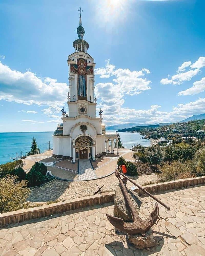 Храм маяк в Крыму 2
