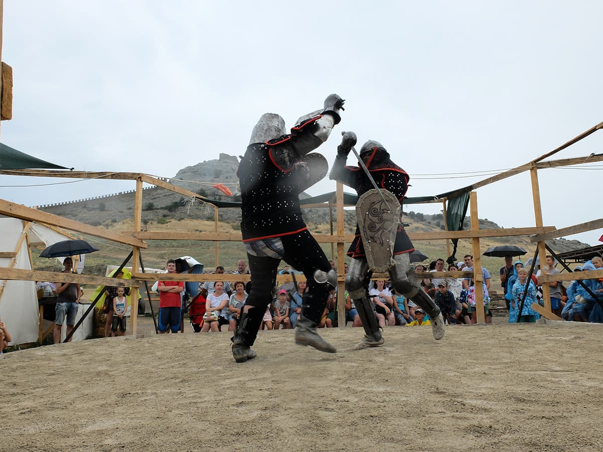 Рыцарский турнир на фестивале Генуэский шлем