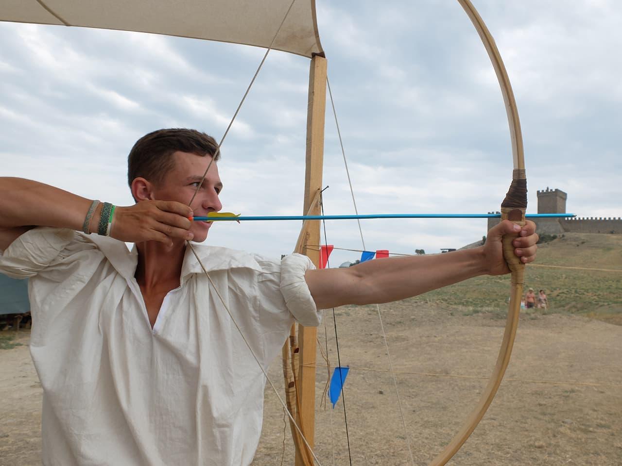 турнир лучников Генуэзский шлем