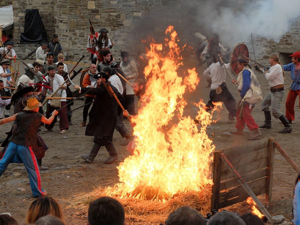 захват замка на фестивале Генуэзский шлем