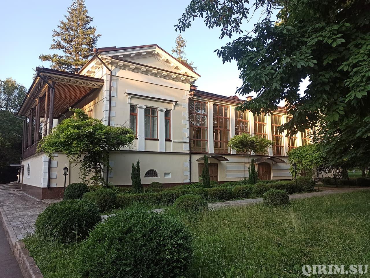 Загородный дом Воронцова в Ботаническом саду 2