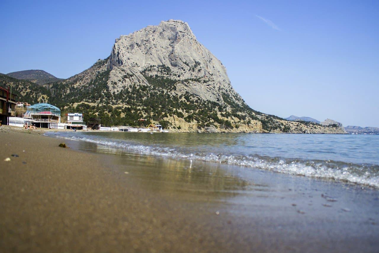 Новый Свет пляж и гора Сокол
