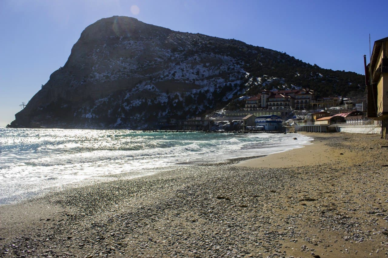 Поселковый пляж зимой