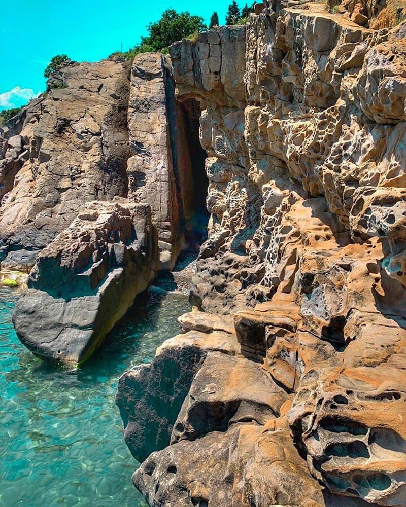 Сырные скалы в Крыму Малореченское